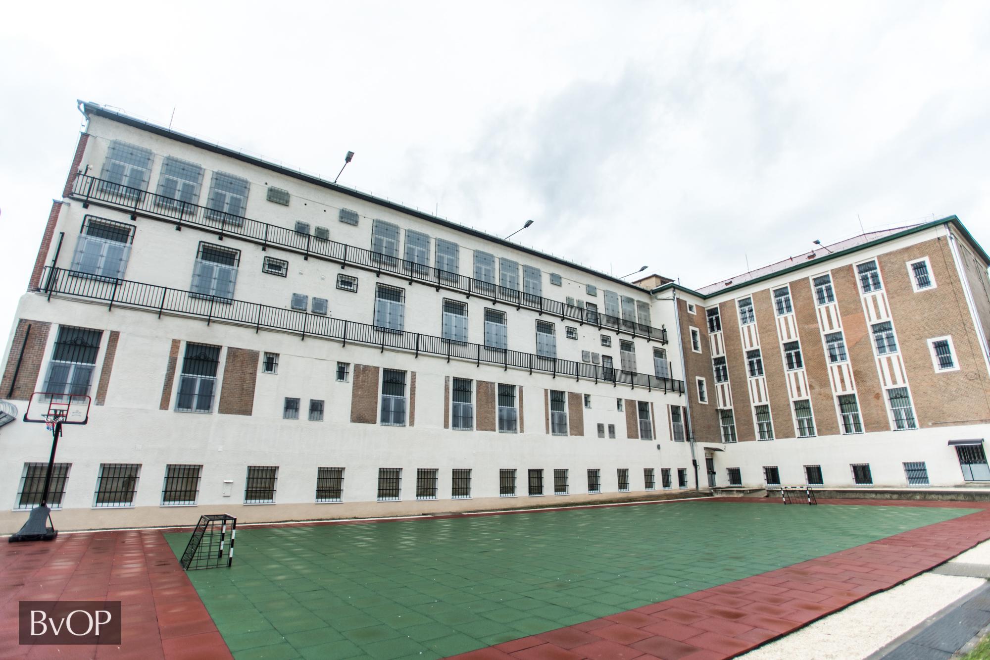 A Váci Fegyház és Börtön fogvatartotti munkaerővel megújult körletépülete