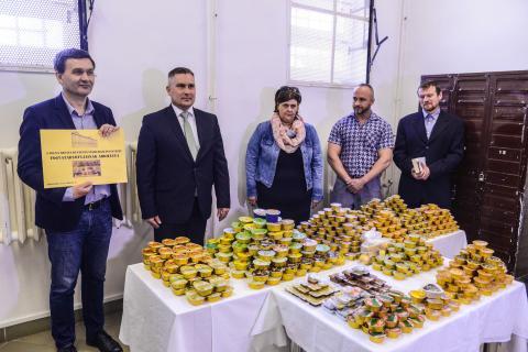 Tartós élelmiszer adományozása